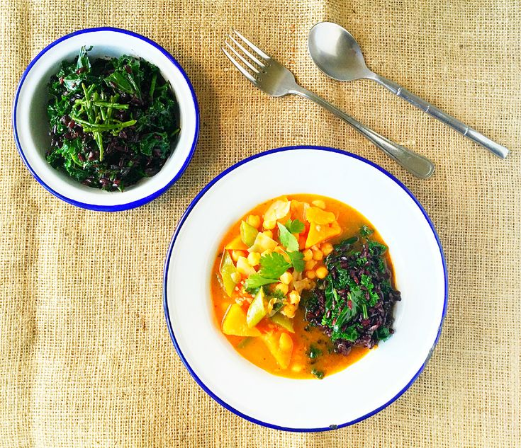 Delicious chickpea red Thai curry, accompanied by protein rich black rice with kale and samphire. A combination that adds extra nuttiness with a sublet crunch and some saltiness of the sea- yums!