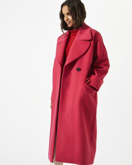 A key shape this season, this stylish coat is made from a wool mix from an Italian mill. An oversized fit, it is styled with a large lapel collar for a statement look and side splits for a contemporary finish.
