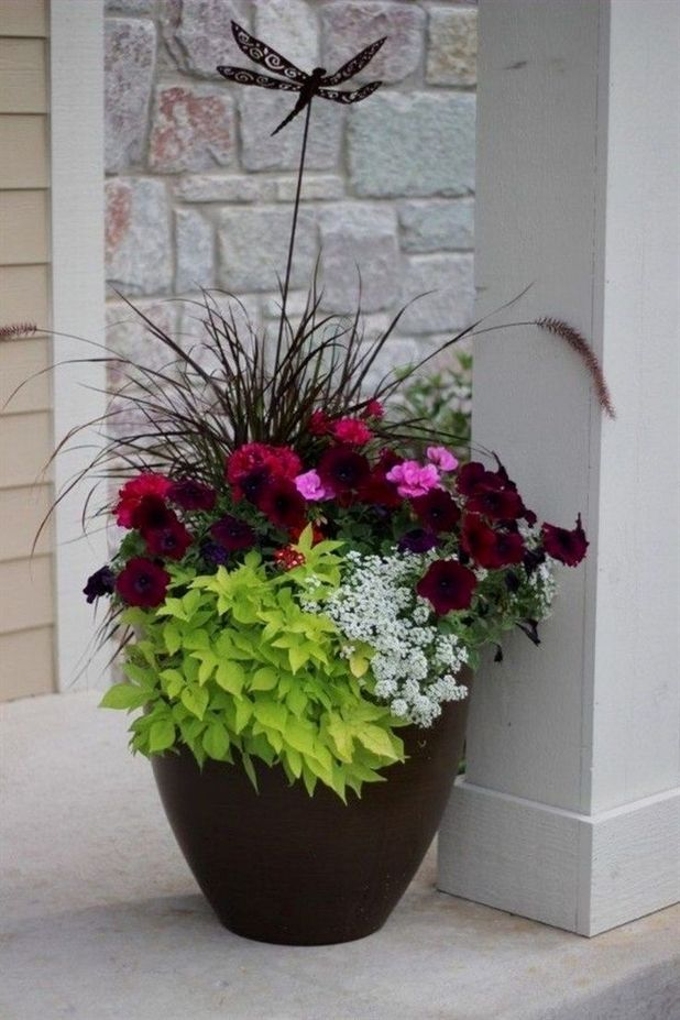30 Pretty Front Door Flower Pots For A Good First Impression
