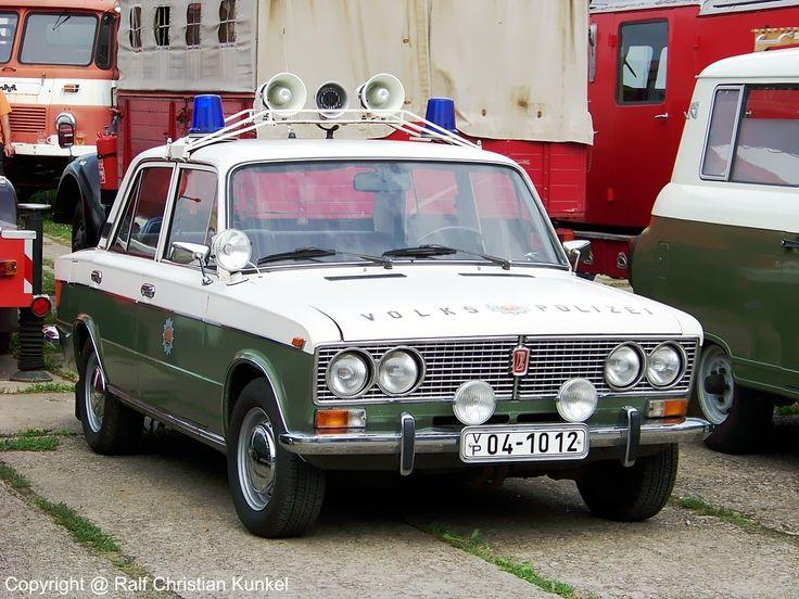 Lada 1500 VAZ 2103 FuStw - Funkstreifenwagen der Volkspolizei der DDR, Limousine - fotografiert am 25.07.2009 zum Museumfest am Blaulichtmuseum in Beuster - Copyright @ Ralf Christian Kunkel