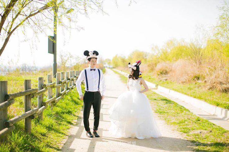 - #세미웨딩#세미웨딩스냅#야외웨딩스냅#노을공원#미키#미니#디즈니#justmarried#❤️꽃섬스냅#꽃섬#예비신부#예신#결혼준비#웨딩#웨딩스냅#맛보기#원본#조작가님#하나작가님#감사합니다 #wedding#weddingphoto#weddingphotography#weddingsnap#웨딩스타그램#서아웨딩 http://gelinshop.com/ipost/1517979217467179298/?code=BUQ8g5BjoEi