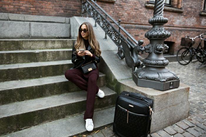 Tenue voyage avion tenue confortable idée femme tout noir