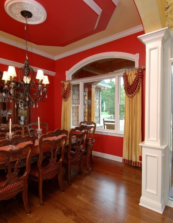 Love the red ceiling around the medallion.  Will be doing that in my diningroom!
