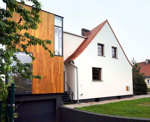 To, że dzięki decyzji sąsiadów zza ściany, udało się obie części bliźniaka rozbudować w podobny sposób, architekci traktują jako wyraz uznania dla nietypowego pomysłu i cenną nagrodę za włożoną w projekt pracę.
