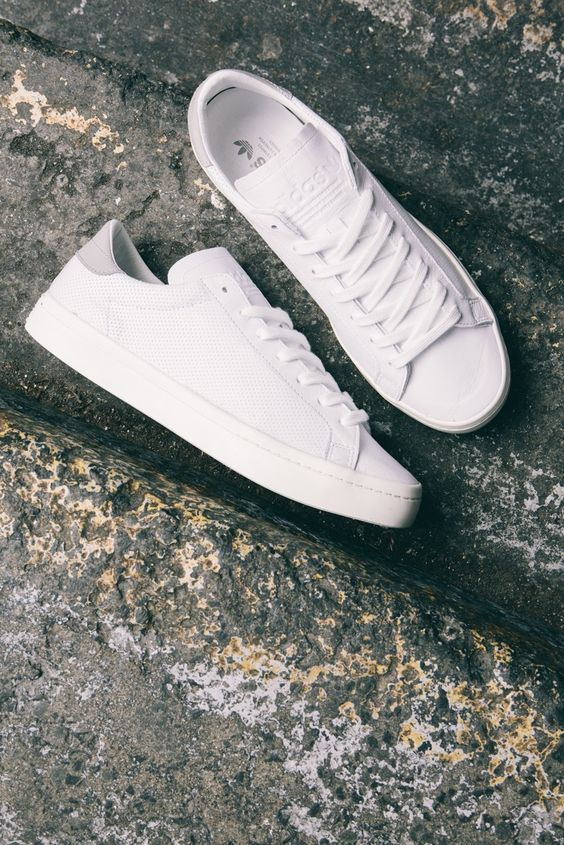 white trainers shoes sneakers men  ⋆ Men's Fashion Blog - http://TheUnstitchd.com