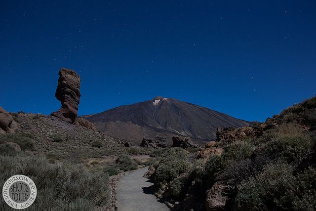 Photographing Mt Teide in Tenerife on a moonlit night
