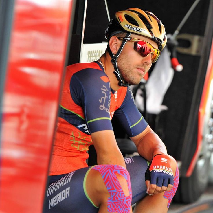 """547 mentions J'aime, 1 commentaires - Team Bahrain Merida (@bahrain_merida) sur Instagram: """"#TDF2017 ST13 At the start of today's stage...so serious @sonnycolbrelli were you thinking about…"""""""