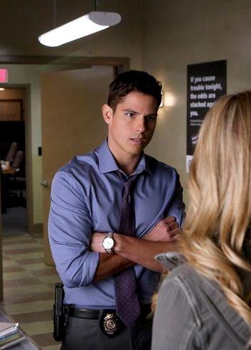 Sean Faris - Interpretó en Pretty Little Liars al detective Gabriel Holbrook, me enamoré de este personaje de inmediato ❤ Unos de mis favoritos.