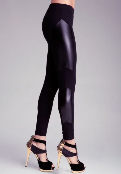 Glossy liquid panels at sides and 24/7 comfortable fit make these bebe leggings a sexy way to add city-edge to your weekend look. Try it with a silky button-up top and a pair of high-gloss boots.