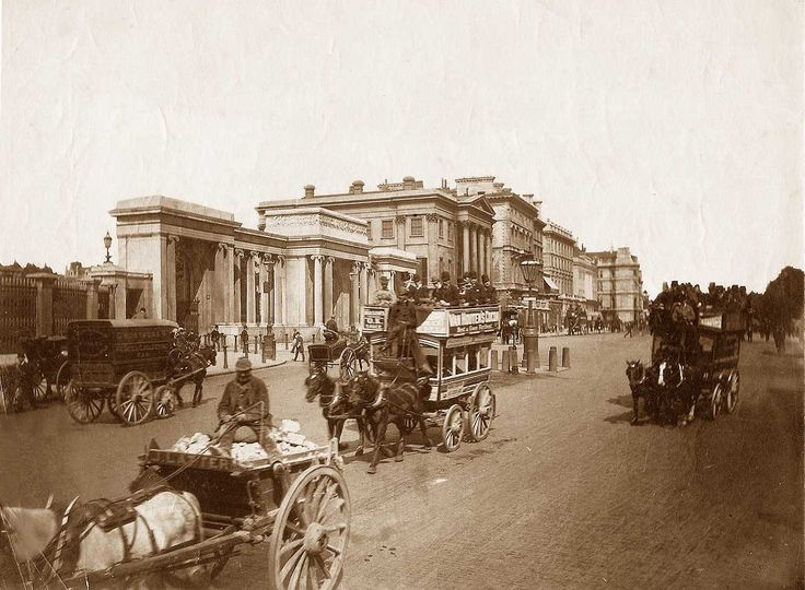 London, Hyde Park Corner circa 1890. Hyde Park Corner is an area in London located around a major road junction at the southeastern corner of Hyde Park. Six streets converge at the junction: Park Lane (from the north), Piccadilly (northeast), Constitution Hill(southeast), Grosvenor Place (south), Grosvenor Crescent (southwest) and Knightsbridge (west).
