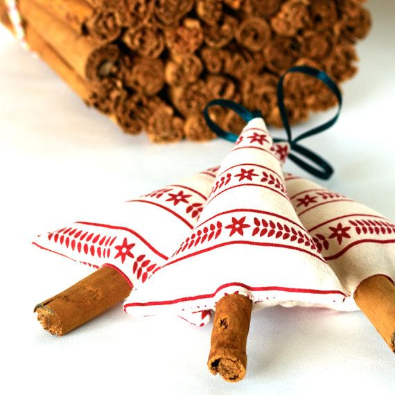 Primitive Scandinavian Christmas Decorations Scented Cinnamon Christmas Tree Set of 3