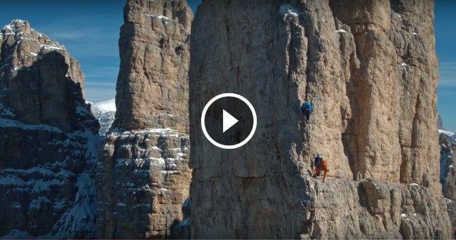 La Torre Delago, una delle Torri del Vajolet in Dolomiti (BZ, Italia) vista come mai l'avevamo vista prima. Spettacolare!  Three friends of us climbed Delago tower (one of the Vajolet towers) in Oct