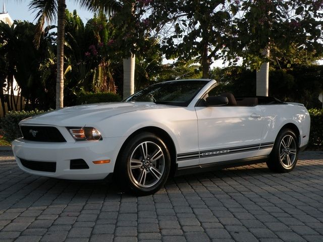 2010 ford mustang v6 convertible. Black Bedroom Furniture Sets. Home Design Ideas