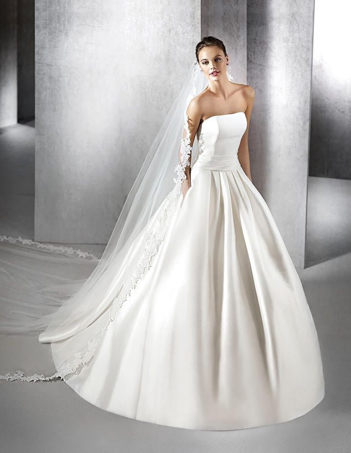 23 best Schlichte Brautkleider images on Pinterest | Wedding frocks ...