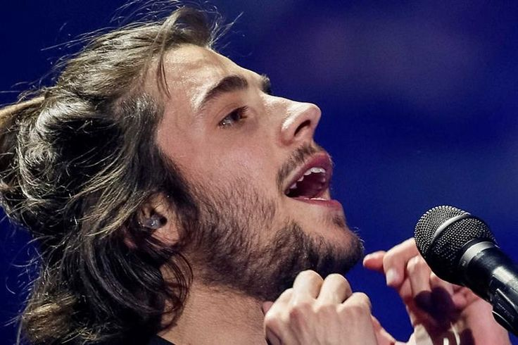 O presidente da República, Marcelo Rebelo de Sousa, felicitou, esta noite de sábado, Salvador Sobral pela vitória no Festival da Eurovisão da Canção.