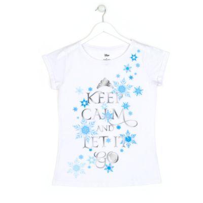 Keep calm and let it go! recita la scritta. Trasmette davvero calma e serenità questa maglietta per adulti ispirata a Frozen - Il Regno di Ghiaccio, con la scritta in caratteri argentati, la tiara e il profilo di Elsa tra fiocchi di neve azzurri.