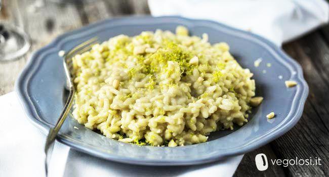 Il risotto vegan al tè matcha è una ricetta buonissima, semplice e particolare: provatelo anche per una cena con gli amici!