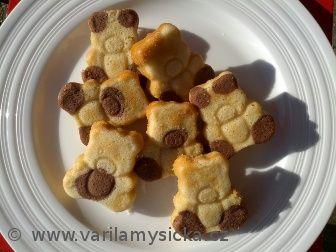 Zkuste svým dětem udělat radost domácími brumíky. Tito brumíci se nedrobí, takže se dětem dobře jí.