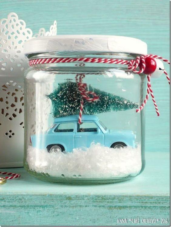 Come fare una Palla di Neve Natalizia Fai Da Te: Automobilina vintage in barattolo