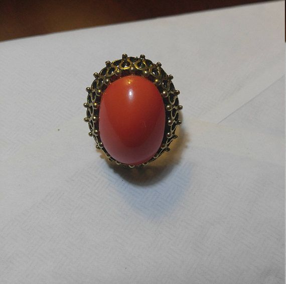 Vintage 1950s/1960s gold tone adjustable costume jewelry ring