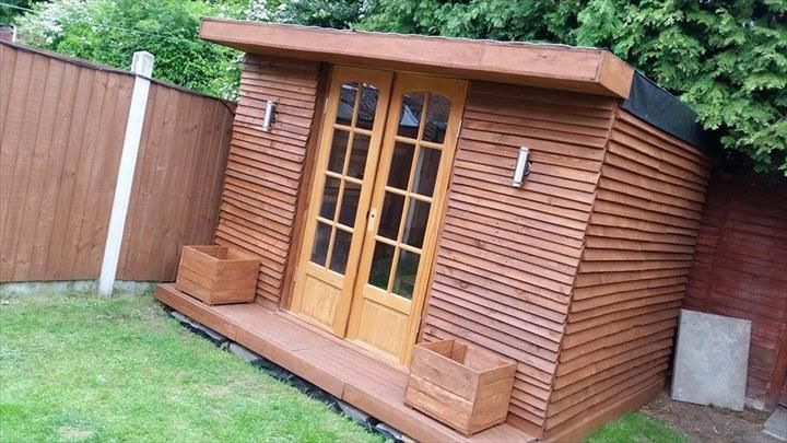 Wooden #Pallet #House or Cabin: DIY Tutorial | 101 Pallet Ideas