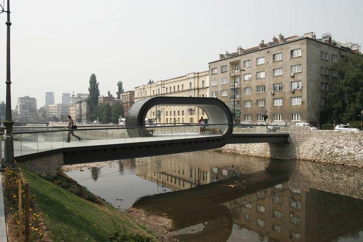 Adnan Alagić,Bojan Kanlić& Amila Hrustić Localização: Sarajevo, Bósnia e Herzegovina