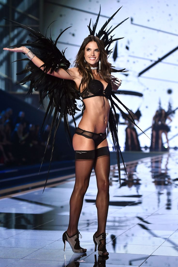 Who's The Sexiest Victoria's Secret Angel? http://wnli.st/1Ny0CWI                                                                                                                                                                                 Mais
