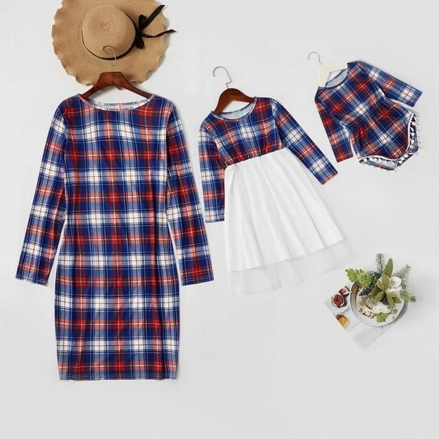 Mom Daughter Matching Dresses, Mother Daughter Outfits, Matching Family Outfits, Little Girl Dresses, Couple Pajamas Christmas, Womens Christmas Pajamas, Funny Christmas, Family Christmas, Matching Couple Pajamas