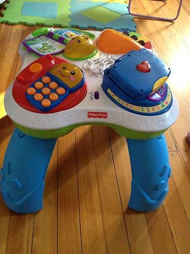 Laugh and learn musical activity table w phone fisher price - Table activite fisher price ...