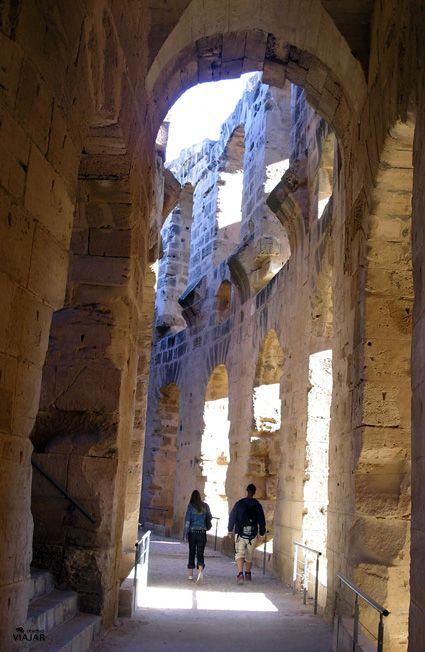 Recorriendo el anfiteatro de El Jem #Túnez / Amphitheatre of El Jem #Tunisia