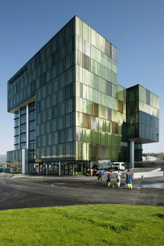 Office bldg in Risch Rotkreuz by Holzber Kobler Architekturen