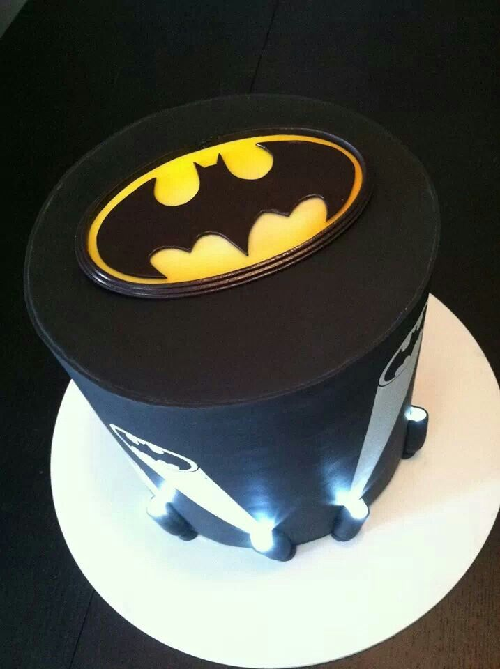 Batman Cake (with lights, cool)