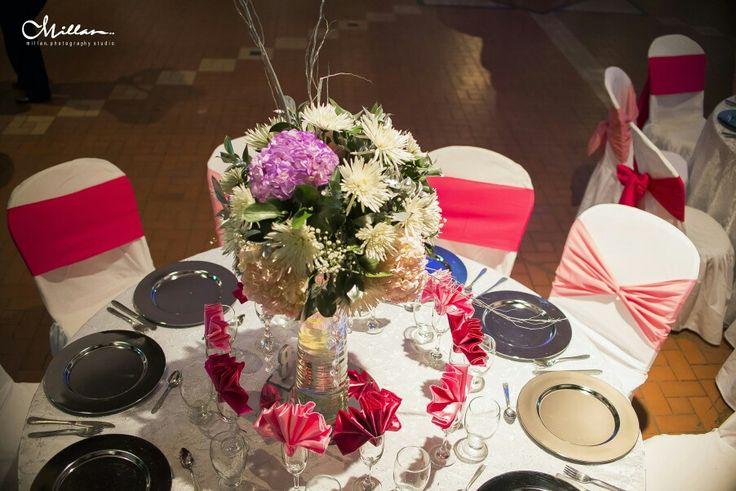 Montaje mesa+arreglo floral
