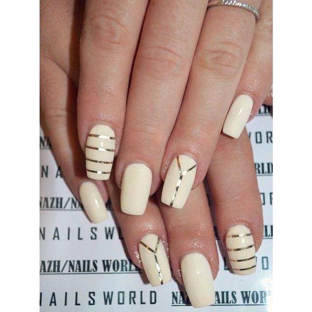 ⚪️◻️ Τα #λευκά νύχια τα συναντήσαμε συχνά αυτήν την περίοδο και τα αγαπήσαμε  #nailsworlddd #white #whitenails #nailtape #InstaSquarer #fallnailtrends #nailtrends #nailstyle #stripeynails #nailporn #gel #gelnails #nail #nails #nailcare #nailsalon #nailsbyme #nailsdone #nailslove #nailstyle #naildesign #nailpolish #nailsaddict #μανικιουρ #nailtutorial #νυχια #nails2inspire #nailsoftheday #greekbloggers