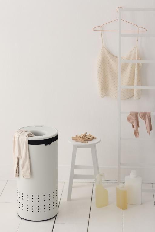102240-Laundry-Bin-30L-White-Mood-Bathroom-01_lowres.jpg (512×768)