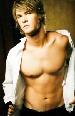 http://www.foxyreign.com/wp-content/uploads/2012/06/Chris-Hemsworth-Topless-Shirt.jpg