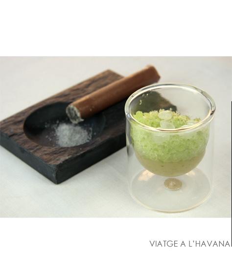 Viatge a l'Havana |  En el Viatge a l'havana s'aconsegueix retenir a la boca el sabor del fum d'un cigar havà.  És el primer dels grans plats de la cuina dolça d'en Jordi Roca, que aquest mateix any s'introdueix en el món dels gelats aprenent de la mà d'Angelo Corvito |#JordiRoca | #elCellerdeCanRoca  #50BestRestaurants #ElCeller  #CanRoca
