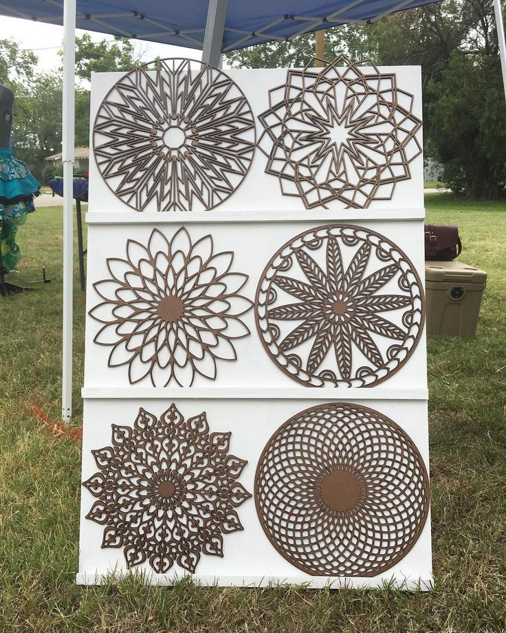 trying out our new stand at the Webb Fest We built it ourselves, what do you guys think??  ............................................................... #texasstrong  #architecture #architecturestudent #stickers #design #designinspo #mandalaart #mandala #heymandalas #coaster #coasters #customized #handmade #homedecor #dallas #woodgifts #gifts #personalizedgifts #giftideas #dfw #crafts #webbfest #smallbusiness #youngentrepreneur  #youngmakers #makers #rhino_by_cks