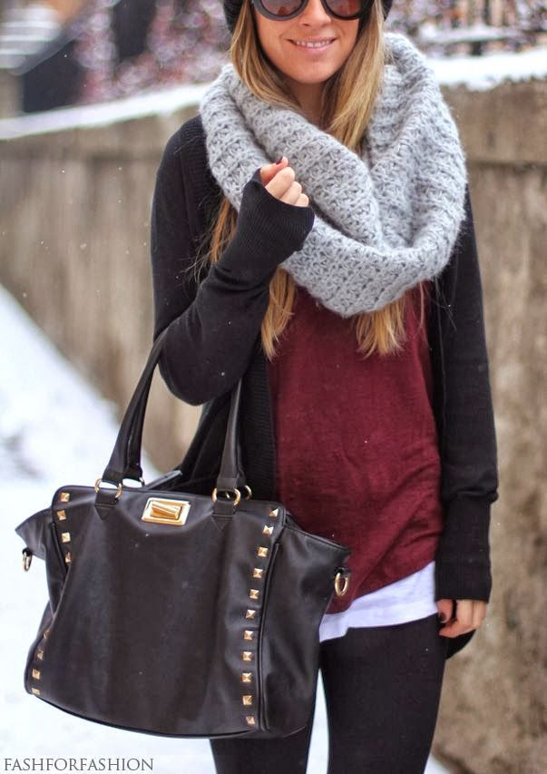 Light grey scarf, black cardigan, reddish sweater, black leggings and hand bag for winters