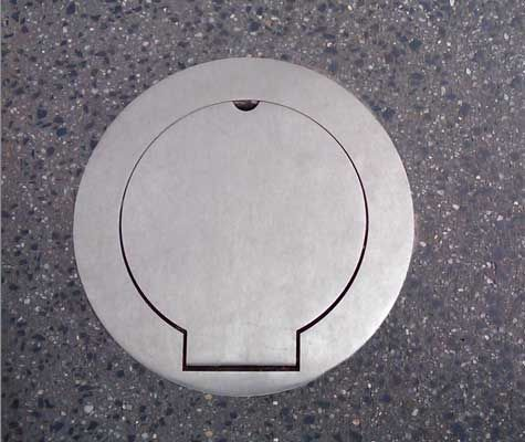 Stainless steel hinged cover plate to suit a 150NB bollard.