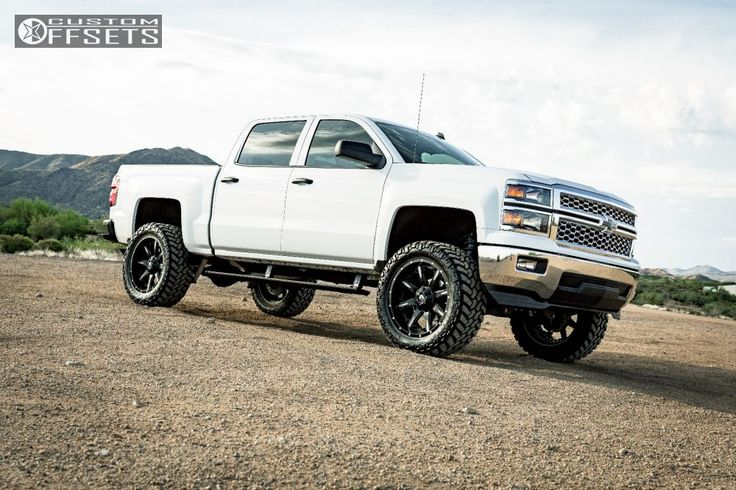 "2014 Chevy Silverado 1500, 6"" BDS Suspension Lift, 325/50x22 Nitto Trail Grapplers, 22x10 Fuel D251 Nutz, AMP Research Power Steps"