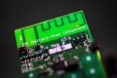 Primer móvil sin batería que hace y recibe llamadas captando energía ambiental.