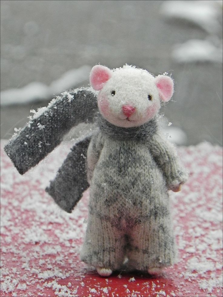 Adorable Amy Brand Sweet Pea Felts Needle Felted Mice Don't you just want to hug him!