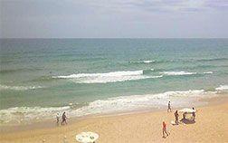 Câmera interativa com zoom de 20x no Canal 3 em Santos (SP). Confira a condição do tempo, das ondas e o movimento na praia e no canal do porto de Santos (SP).