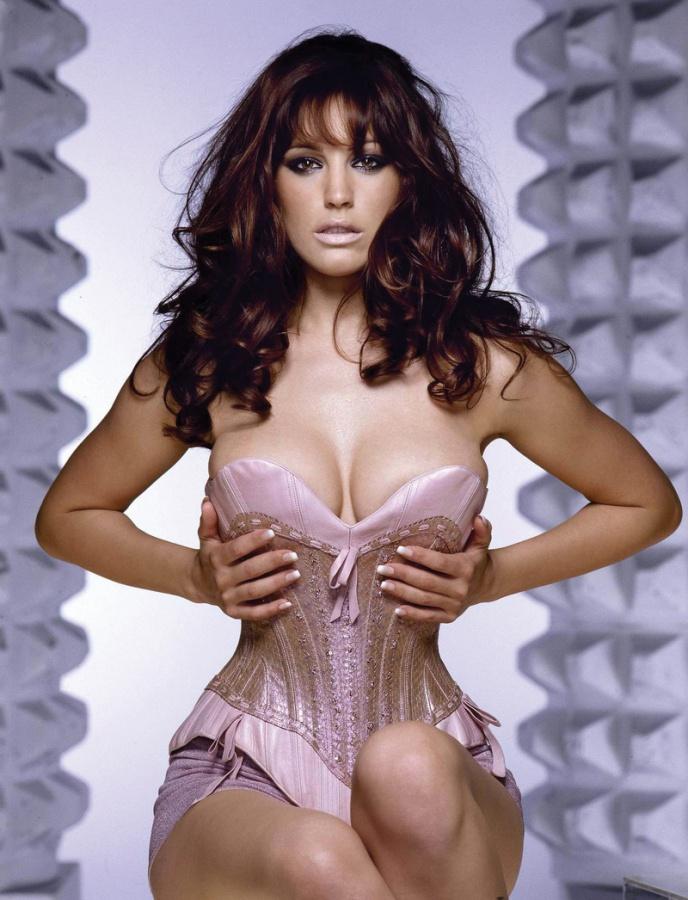 Naked mature brunette milf nude