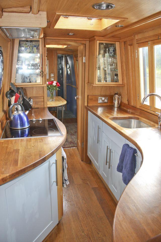 329 besten narrowboat bilder auf pinterest schmalboot innenr ume hausboot innenr ume und. Black Bedroom Furniture Sets. Home Design Ideas