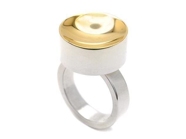 WOLFGANG GESSL, ring, sterlingsilver, 18K gold. Item 1012862. Contemporary – Saturday 22 March 2014.
