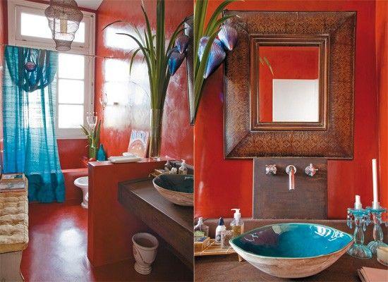 Toilette con paredes y pisos de cemento alisado (Edfan). La cortina hecha con seda natural turquesa de Tailandia, bacha encargada especialme...
