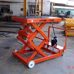 We Manufacture and Supply Manual Hydraulic Scissor Liftsthat are available in lift height and collapsed height. - See more at: http://www.hydrauliclifts.co.in