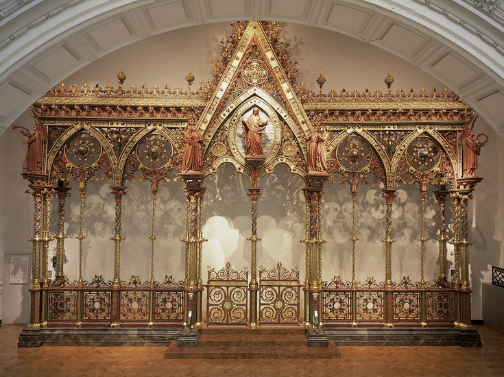 Francis Skidmore's beautiful Screen from Hereford Cathedral. In the 1960s they scandalously dumped, it but it has been restored by the wonderful V&A Museum, where we may enjoy it, resplendent!